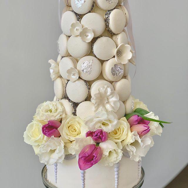 Bàn quà sinh nhật màu trắng cho vợ XV559 góc nhìn số 3