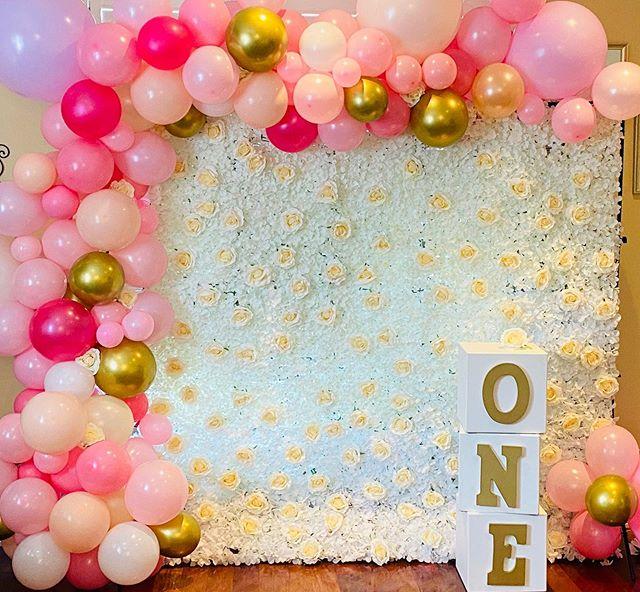 Backdrop hoa tươi trang trí sinh nhật XV599