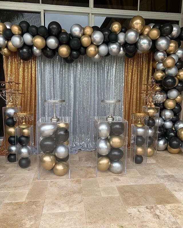 Backdrop sinh nhật vải voan vàng đồng và bạc XV609