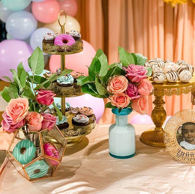 Phụ kiện trang trí bàn quà sinh nhật hoa hồng cho bé gái XV618
