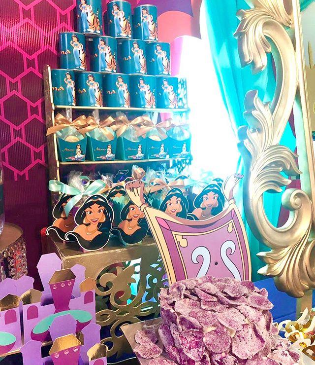 Phụ kiện trang trí sinh nhật trọn gói Aladin XV621