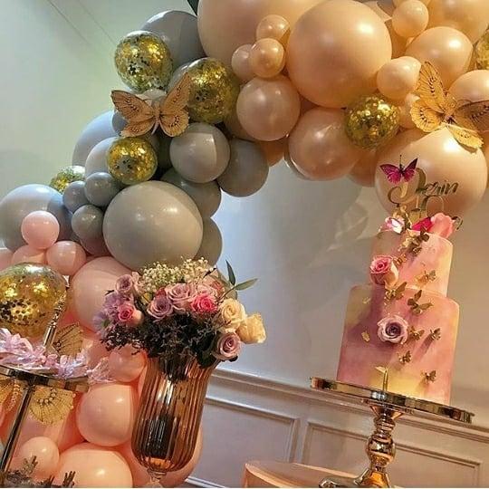 Bàn quà sinh nhật với 2 màu hồng, tím pastel góc nhìn 3 XV623
