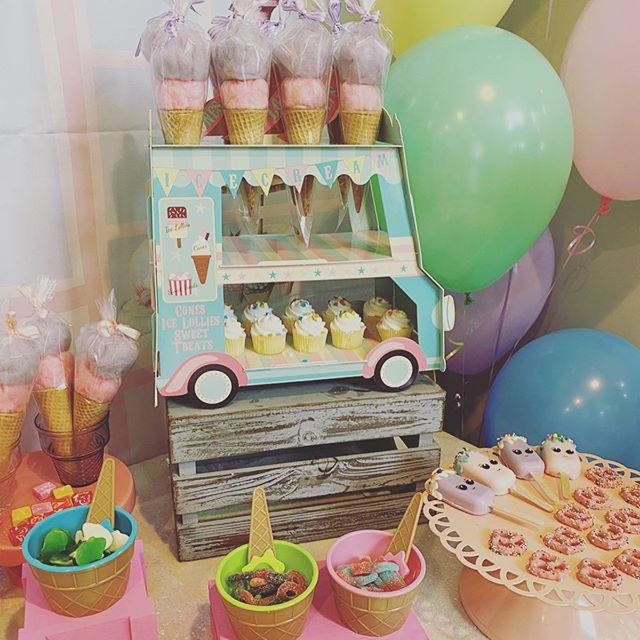 Khay bánh trang trí sinh nhật bàn quà chủ đề kem XV652