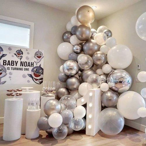 Bàn quà sinh nhật Baby Shark màu bạc XV656