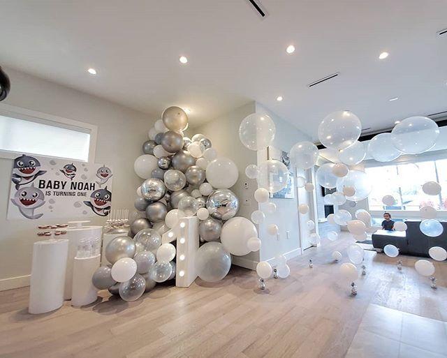 Toàn bộ sản phẩm bàn quà sinh nhật Baby Shark màu bạc XV656