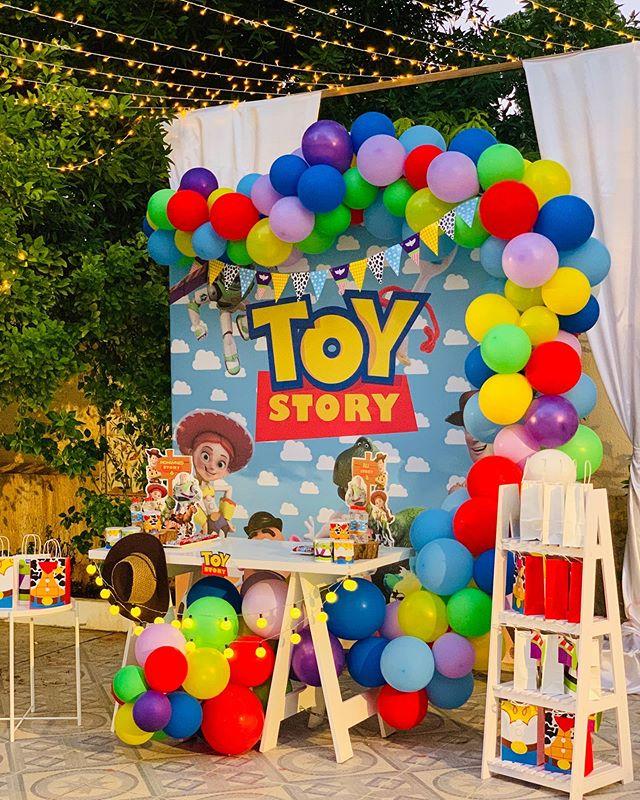 Bàn quà sinh nhật chủ đề Toy Story dành cho các bé trai XV668