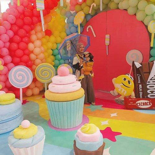 Tiểu cảnh bong bóng trang trí sinh nhật chocolate XV649