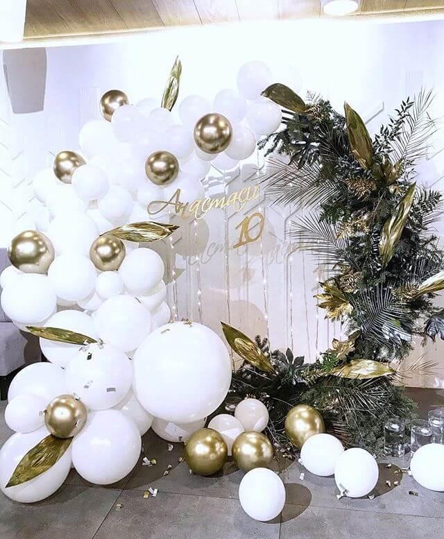 Tiểu cảnh sinh nhật trang trí bong bóng trang vàng đồng XV678