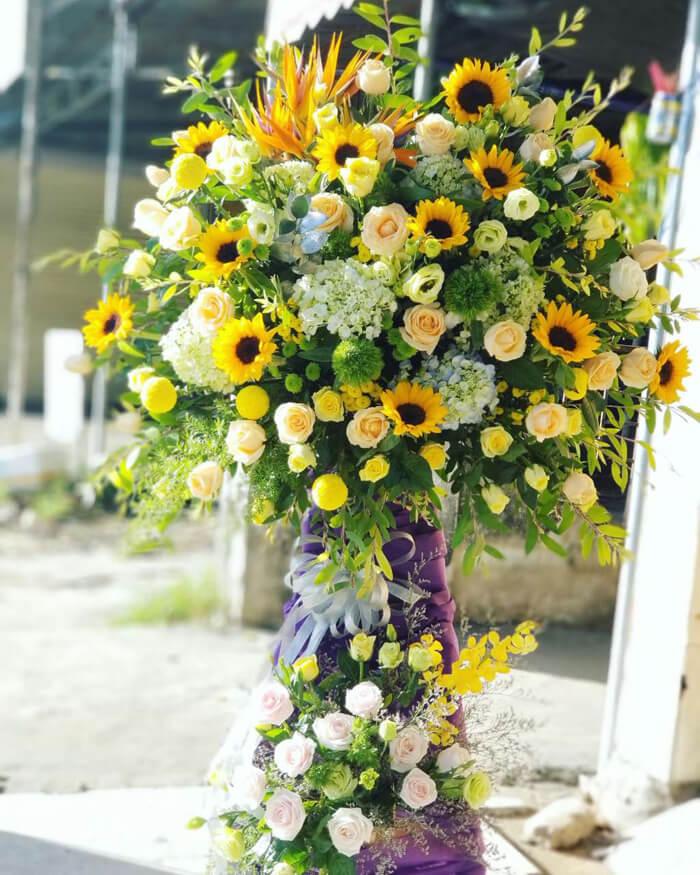 Hoa mừng khai trương cửa hàng xinh đẹp