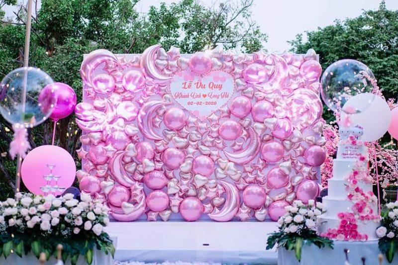 Backdrop trang trí tiệc cưới lung linh với tone màu hồng XV729