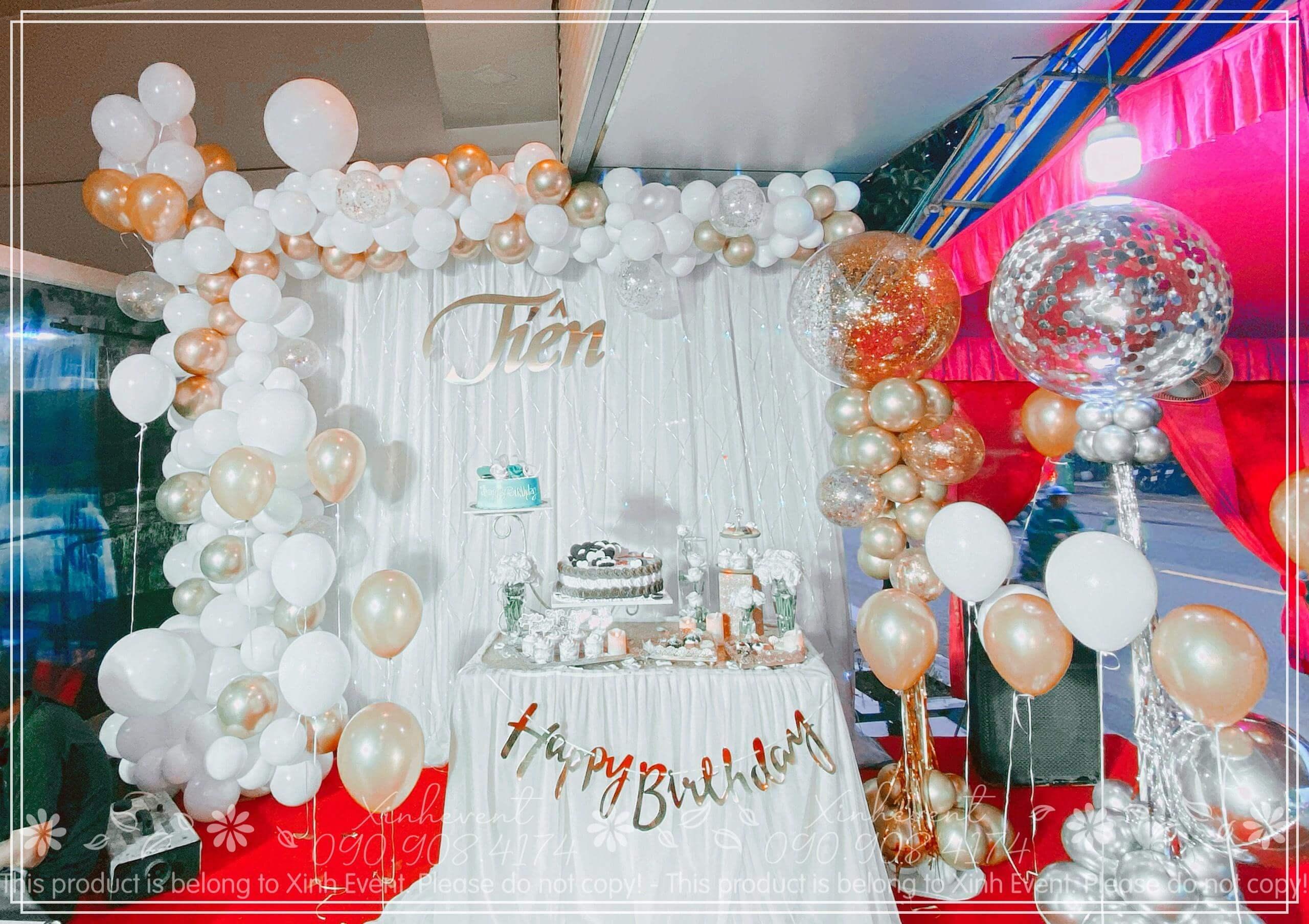 HÌnh ảnh full của sản phẩm trang trí đầy đủ và lung linh trong ngày sinh nhật Tiên