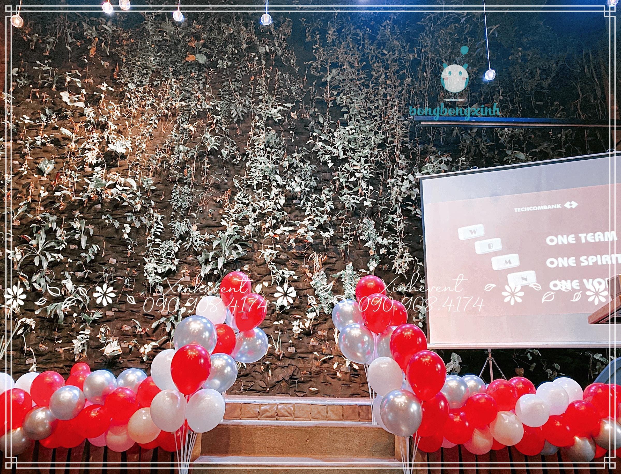 Trang trí sự kiện ngân hàng Techcombank với lối vào sân khấu sinh động