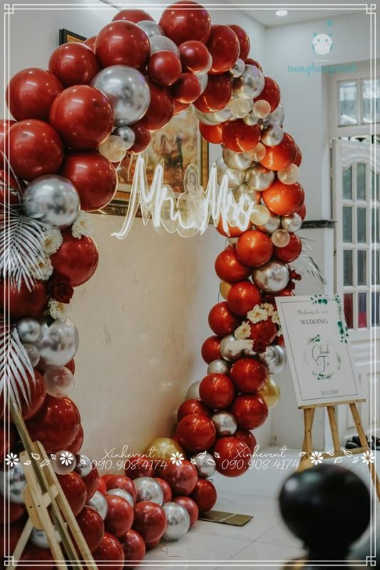 Vòng bong bóng trang trí đám cưới Tú Chinh