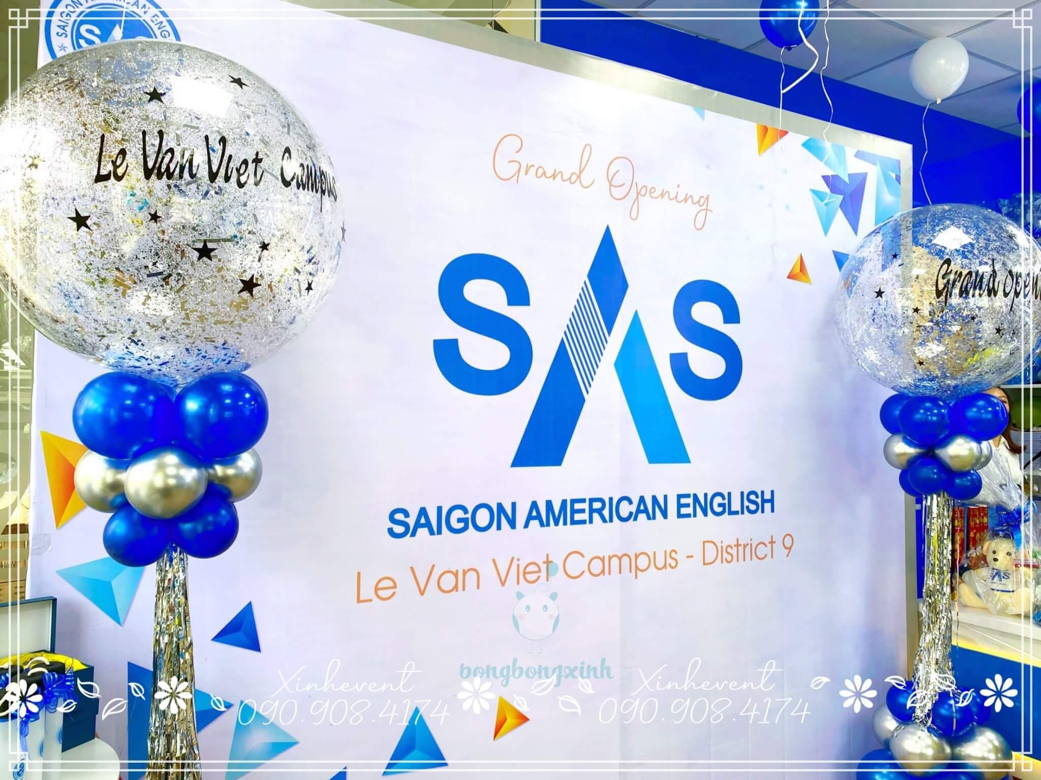 Cận cảnh backdrop khai trương trung tâm ngoại ngữ SAS