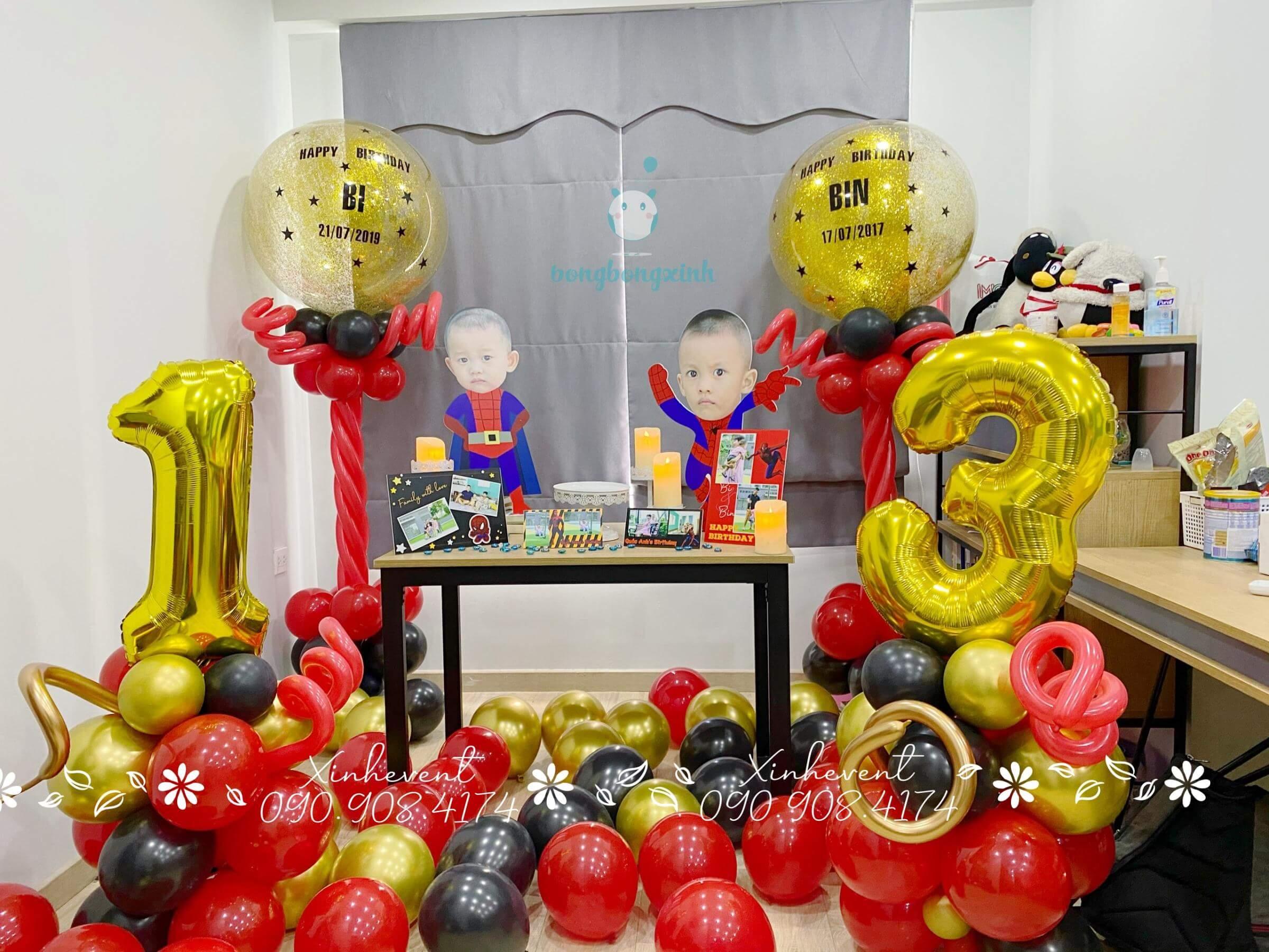 Cận cảnh trang trí bàn sinh nhật cho bé Quốc Hưng xinh đẹp