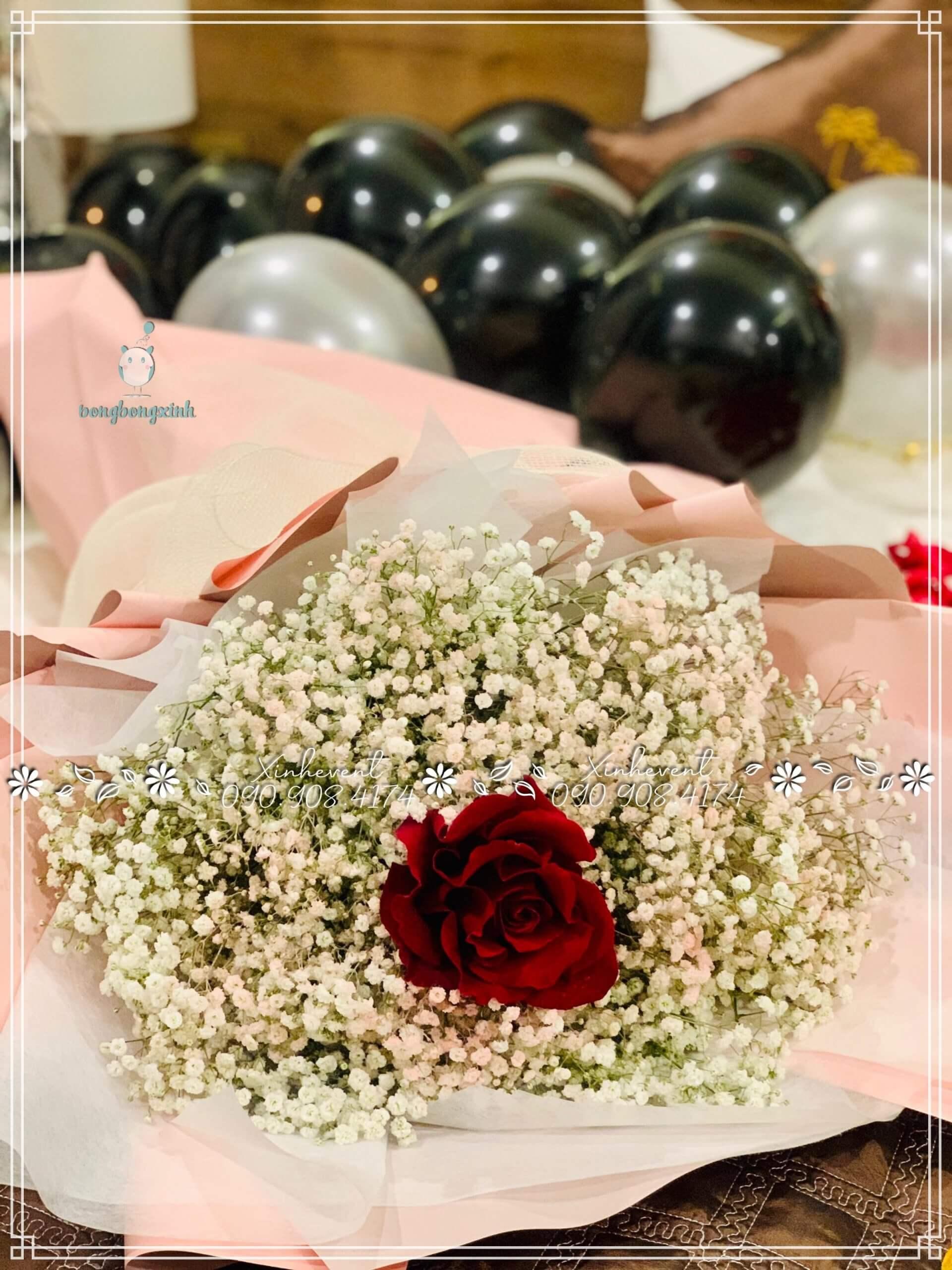 Không quên đóa hoa hồng tặng vợ