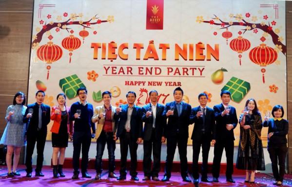 Họp mặt và định hướng phát triển trong năm mới là ý nghĩa tổ chức tiệc tất niên