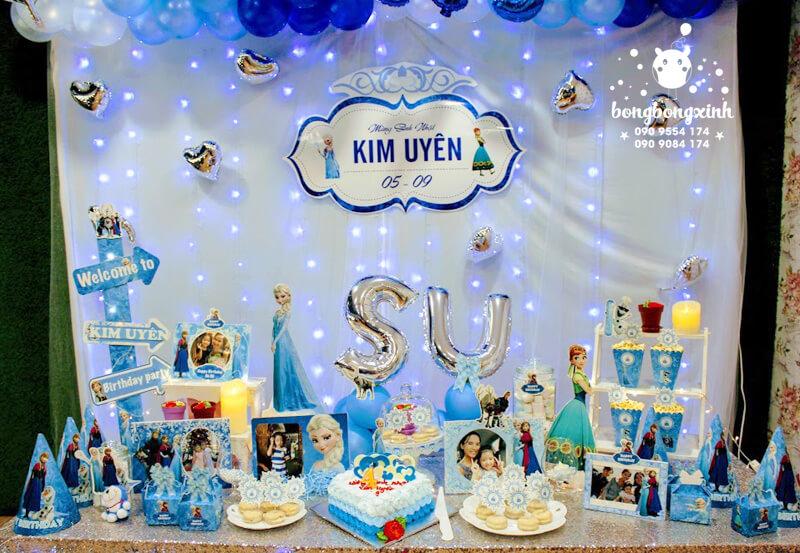 Bàn quà trang trí sinh nhật với chủ đề Elsa BQ136
