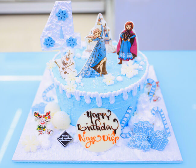 Bánh kem chủ đề Elsa