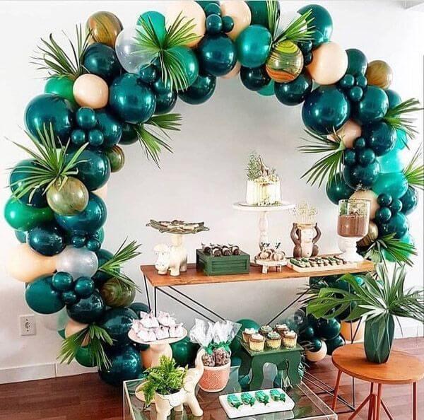 trang trí sinh nhật màu xanh lá cây