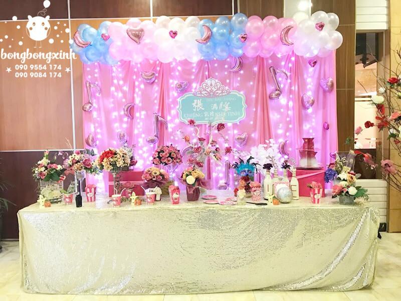 Bàn gallery trang trí sinh nhật tone màu hồng cho bé gái BQ139