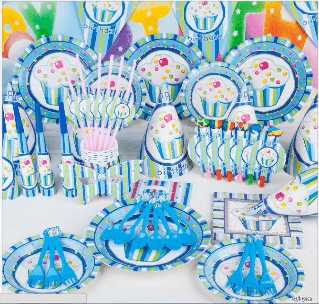 Mua gì để tổ chức sinh nhật cho bé nên mua Set phụ kiện cho sinh nhật bé nếu hướng đến bữa tiệc đơn giản
