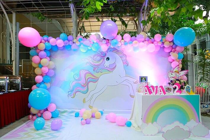 Trang trí sinh nhật Unicorn thật sang trọng và đáng yêu