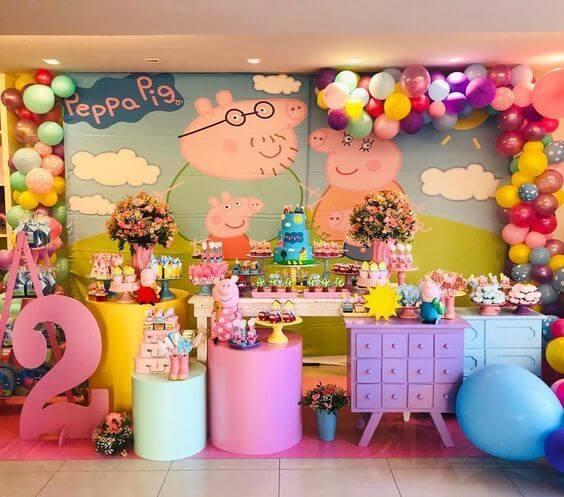 Trang trí sinh nhật cho bé 2 tuổi chủ đề Peppa Pig