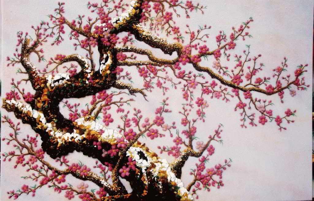 Trang trí tường với những bức tranh mùa xuân